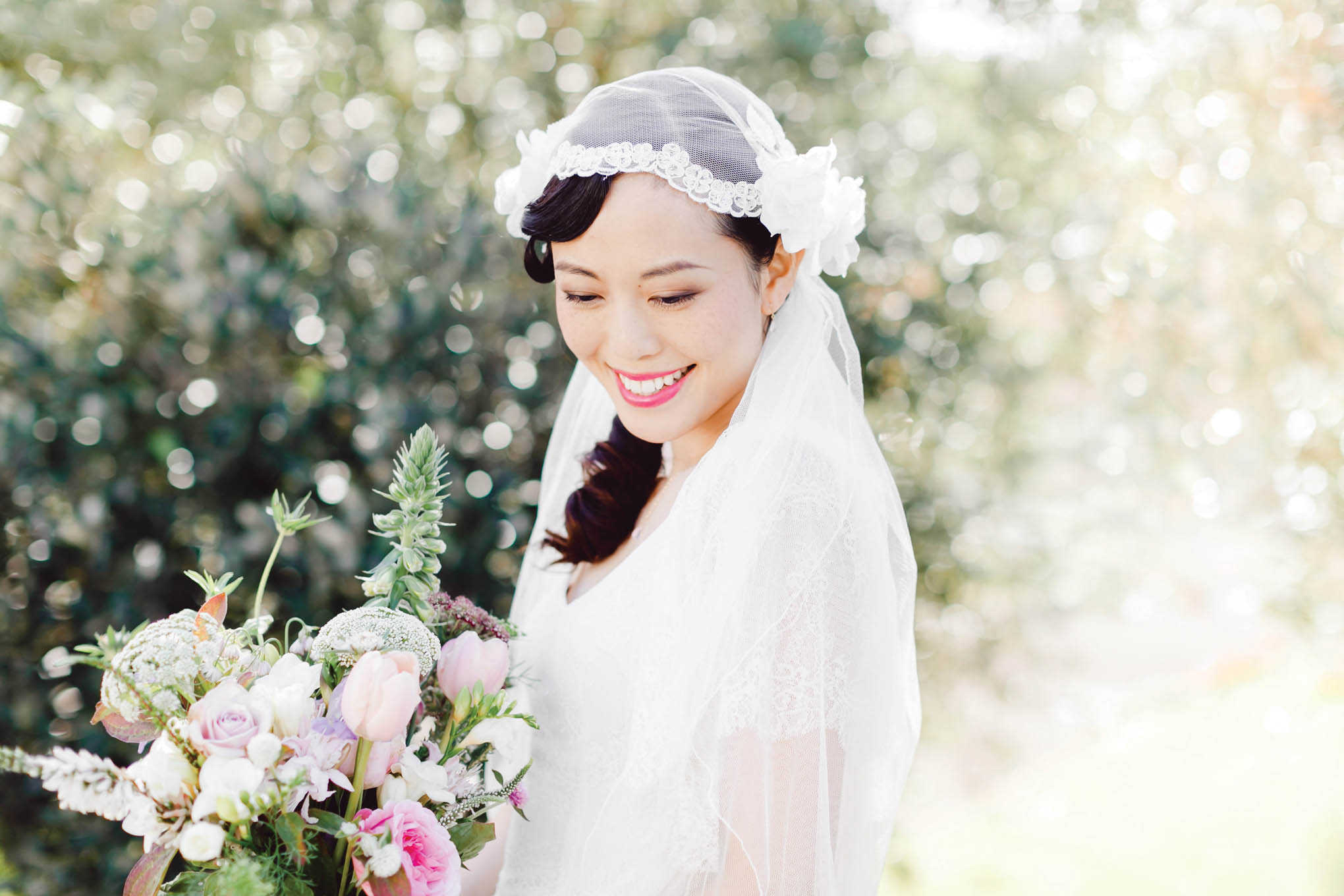 Categories: Weddings-Real Wedding: Ivy + Stanley – Photography by Courtney Horwood