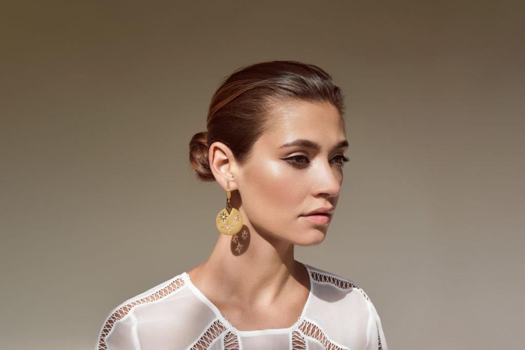 Categories: Fashion-Zoe & Morgan - Palace of the Sun