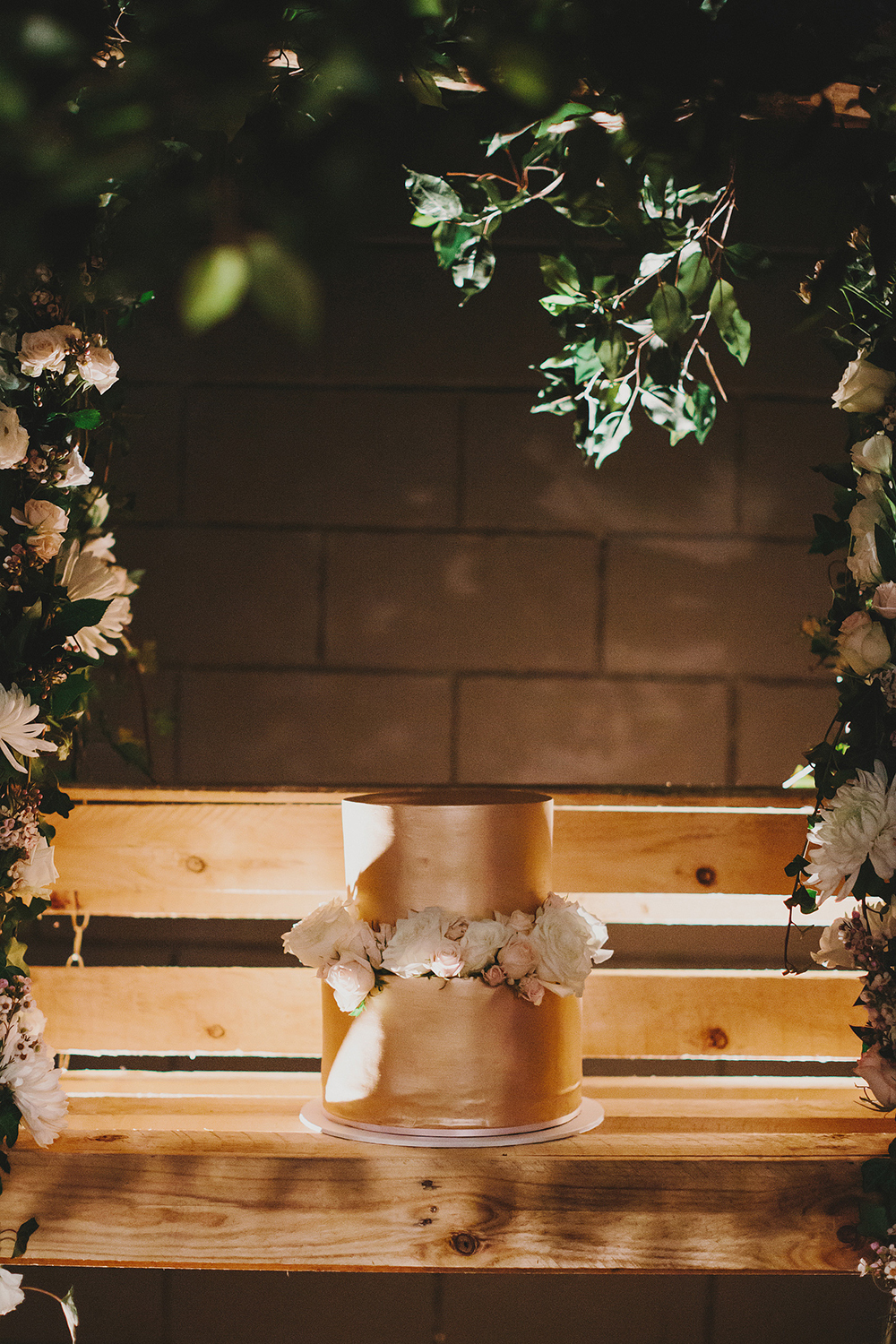 Categories: Weddings-Real Wedding: Vichi & Anthony - Photography by Lover of Mine