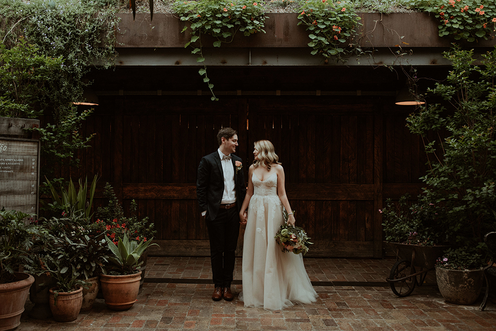 Categories: Weddings-Real Wedding: Georgie & Tim - Photography by Olguin Photography
