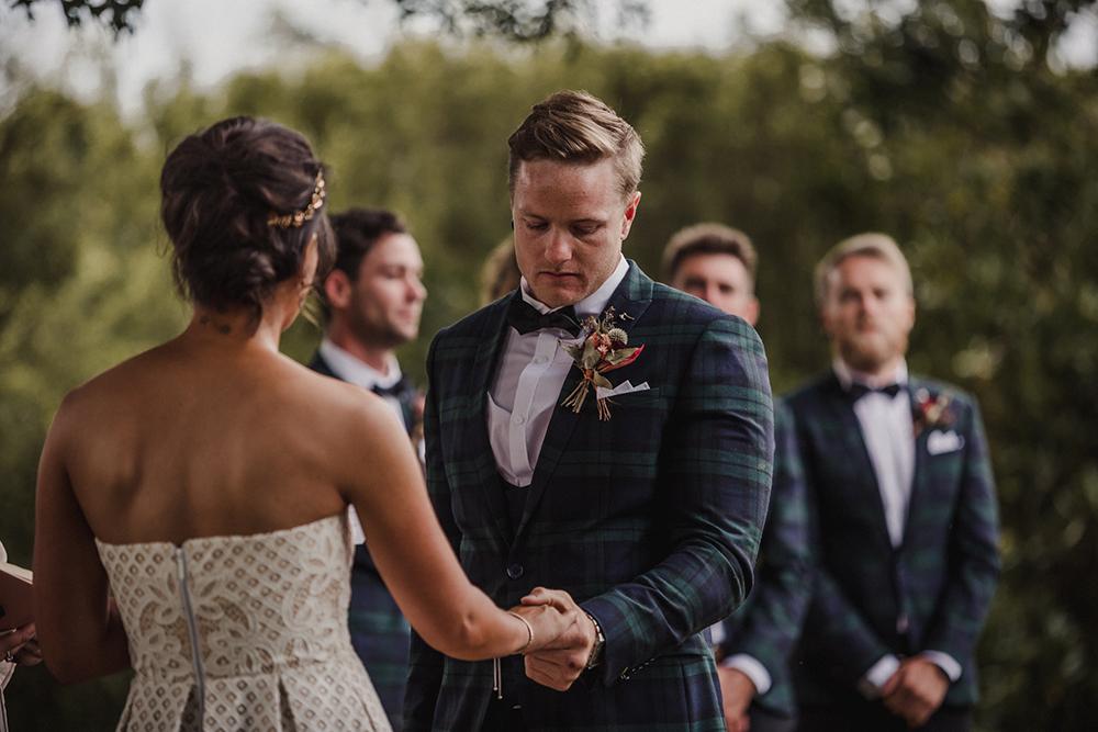 Categories: Weddings-Real Wedding: Kristin & Dan - Photography by Heather Liddell