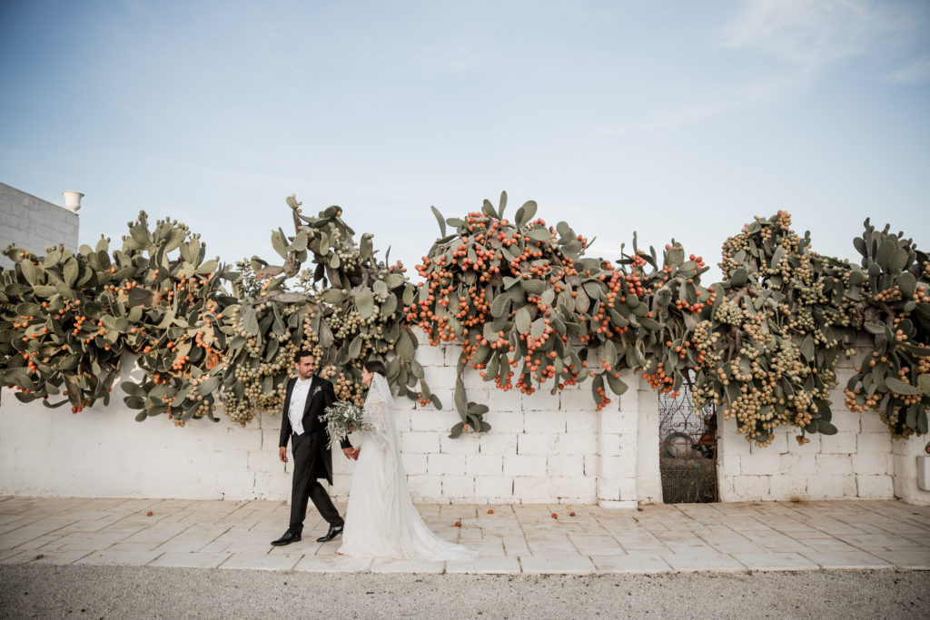 Categories: Weddings-Real Wedding - Julian & Elisabeth - Photography by Lilly Red