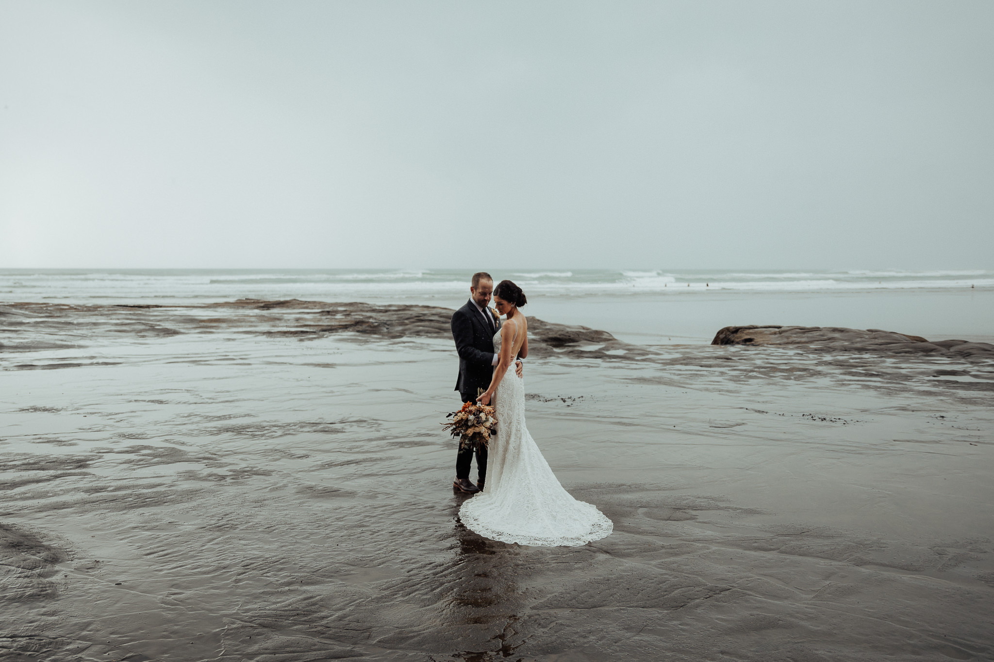 Categories: Weddings-Real Wedding: Rose & Adrian - Photography by Hollow & Co
