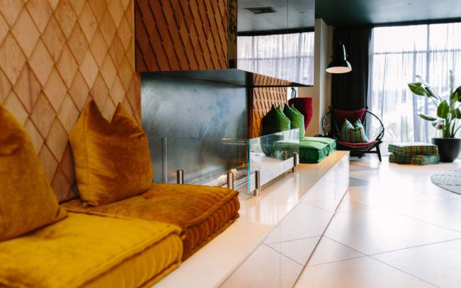 -Naumi Hotel