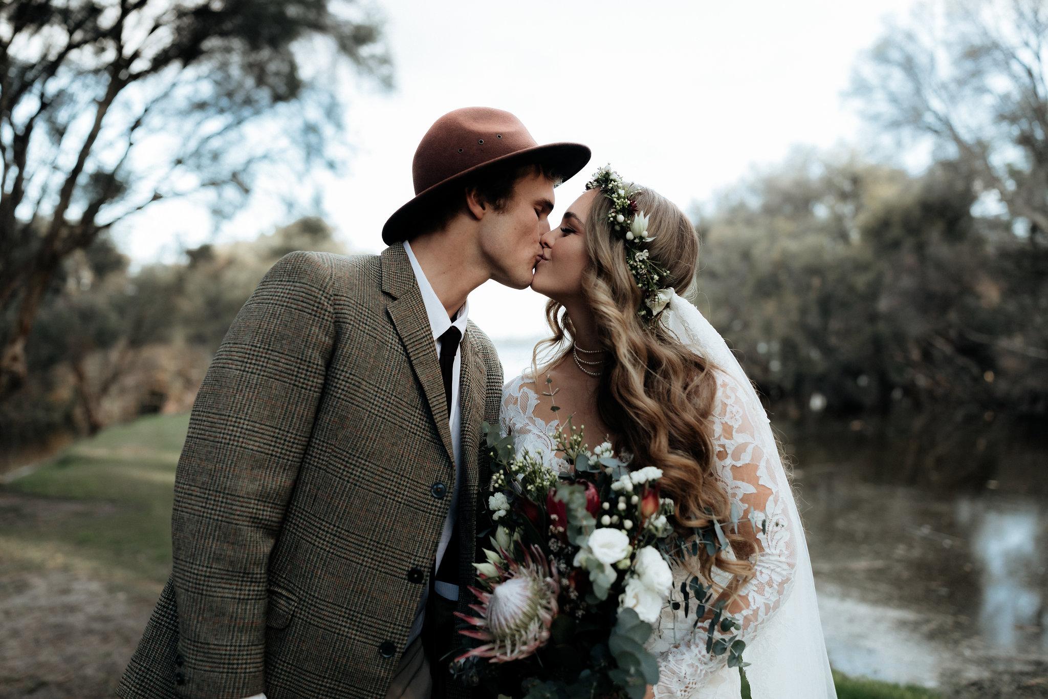 Categories: Weddings-Real Wedding: Eleanor & Aaron - Photography by Alexandra Cohen