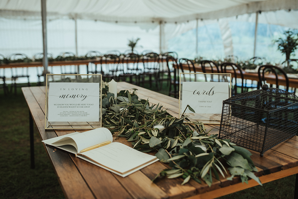 Categories: Weddings-Real Wedding: Gina & Chris - Photography by Meredith Lord