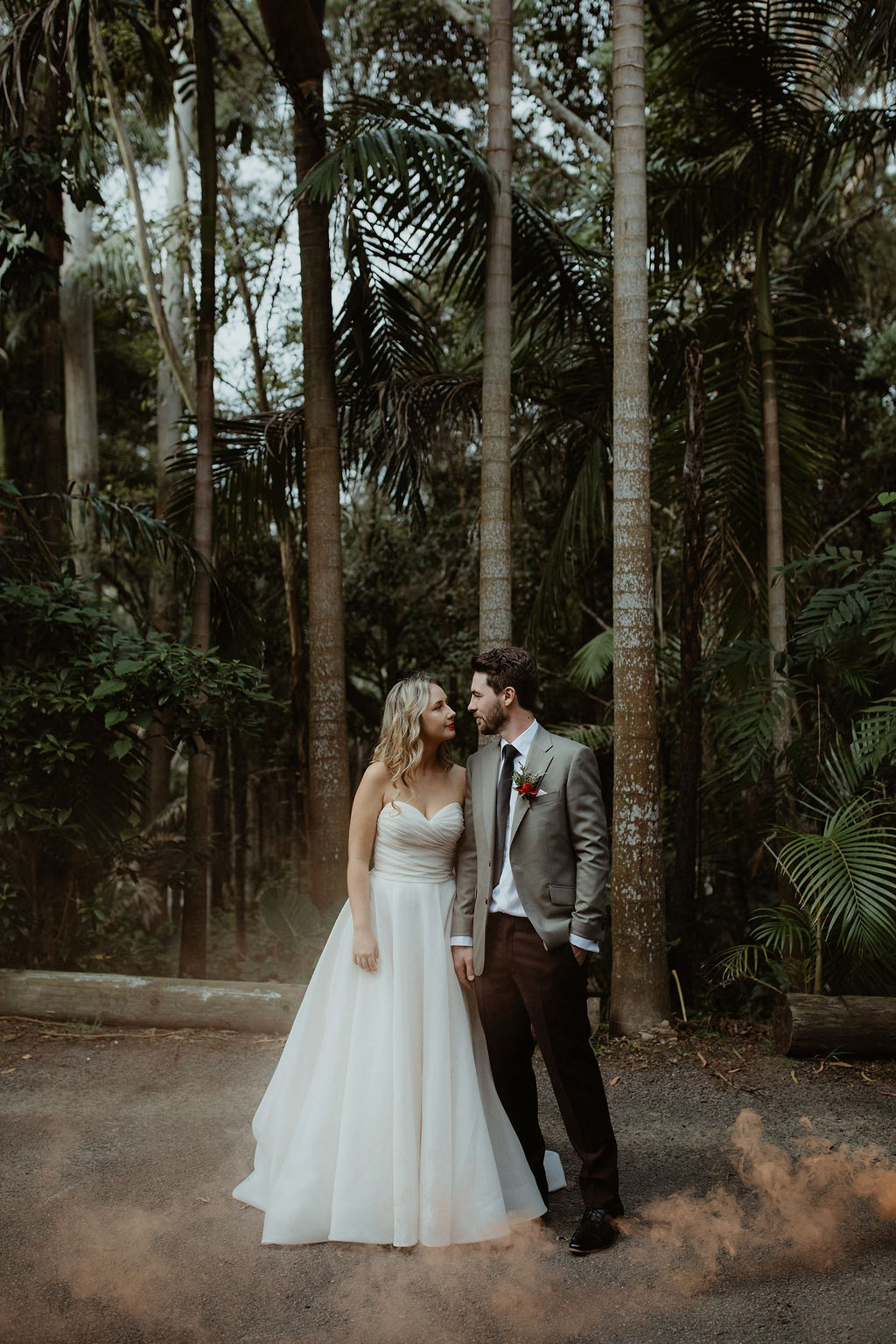 Categories: Weddings-Real Wedding: Alysia & Simon - Photography by Corinna & Dylan