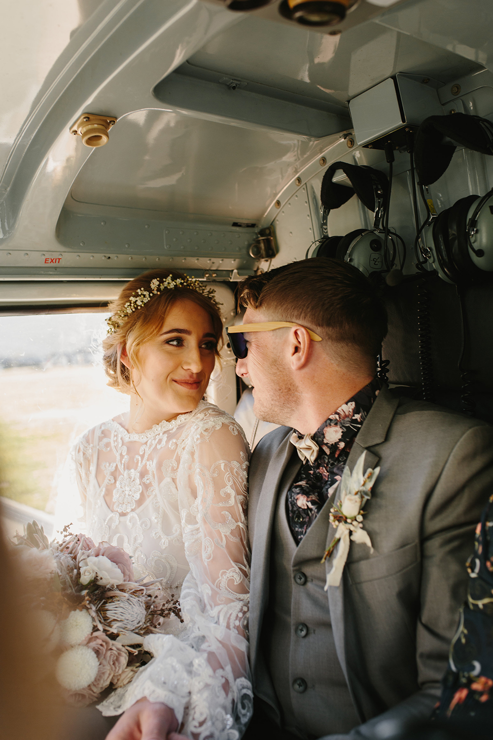 Categories: Weddings-Real Wedding: Jenna & Anthony - Photography by Dawn Thomson
