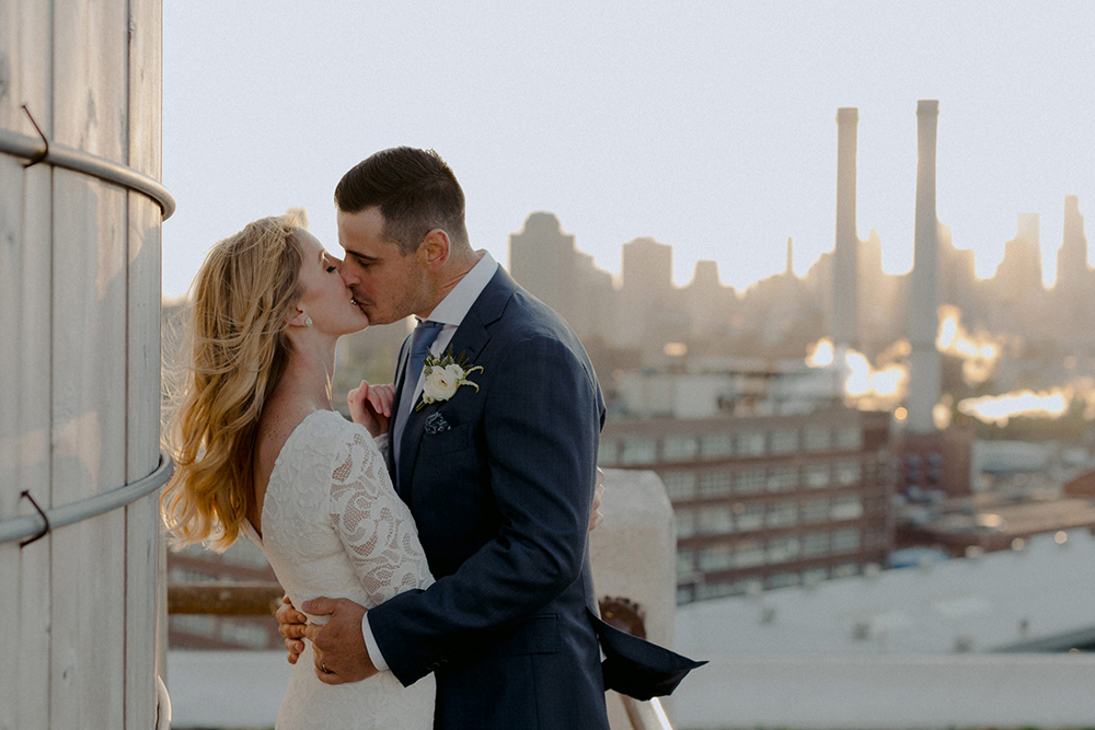 Categories: Weddings-Real Wedding: Melissa & Grant - Photography by Samm Blake Weddings