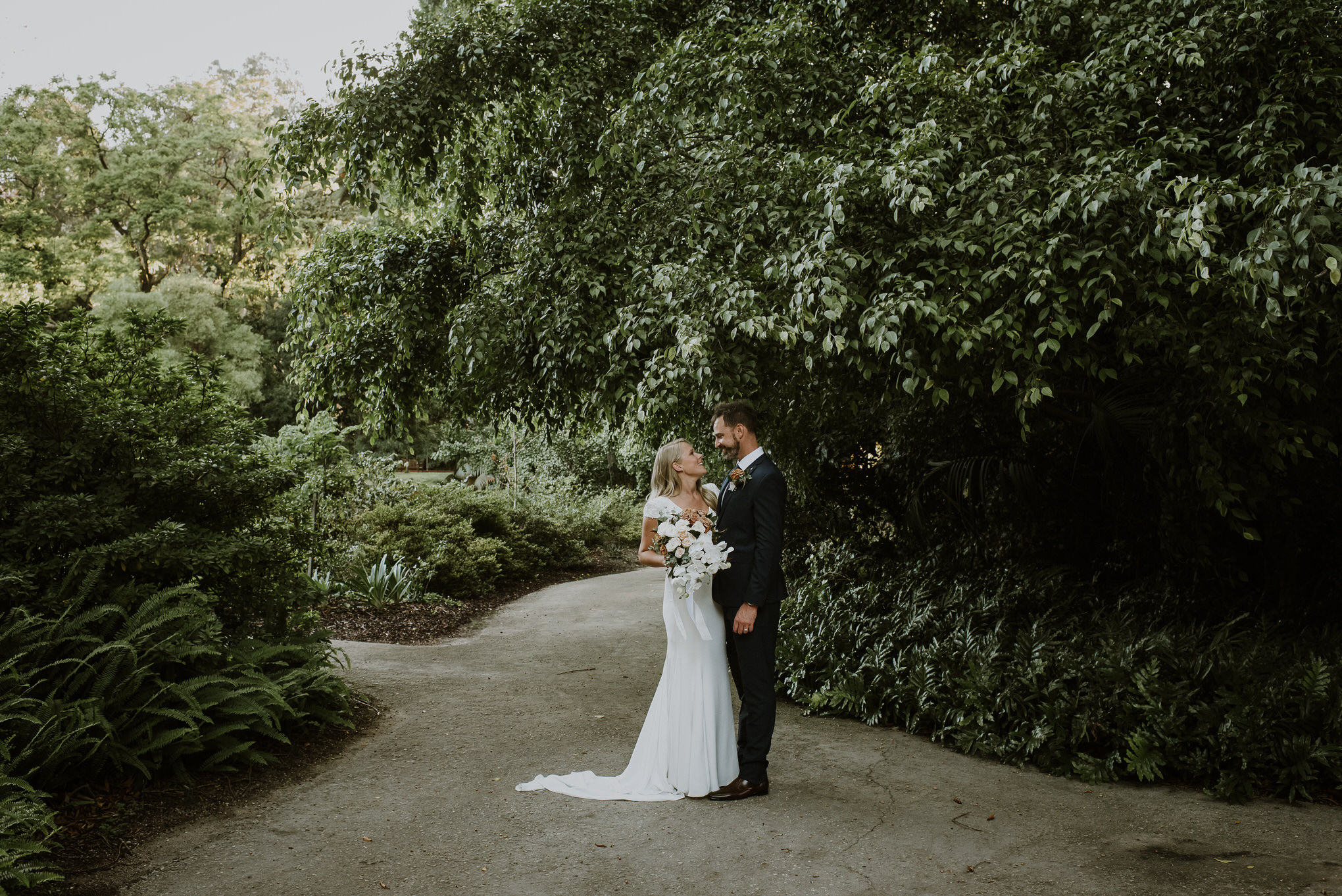 Categories: Weddings-Real Weddings: Lauren and Rob- Photography by Ilkka