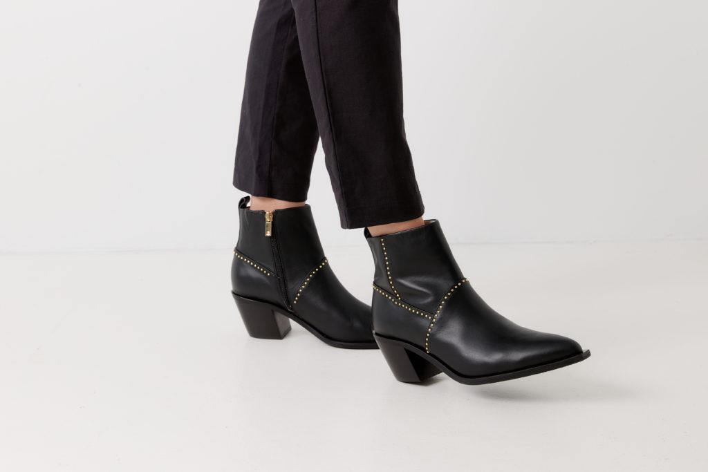 Chaos and Harmony Saint Black boots